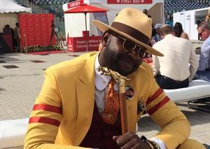 سوداني يحصل على جائزة الرجل الأكثر أناقة في دبي