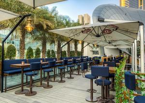 مطعم في دبي يقدم قائمة مأكولاته عبر حبر سري