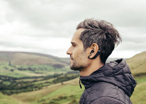 سوني تطلق سماعة أذن ثورية بتقنية الاستماع المزدوج