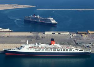 دبي تحول سفينة إليزابيث 2 الأسطورية إلى فندق عائم فاخر