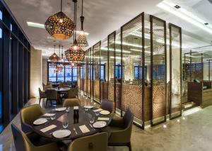 مطعم الرمال السبعة : أطباق إماراتية أصلية بأجواء عصرية فريدة