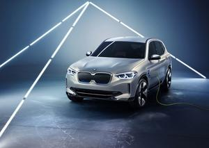 بي إم دبليو تكشف عن أول سيارة SUV كهربائية في تاريخها