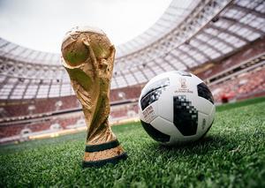 شاهد مباريات كأس العالم بأجواء حماسية و شاشة عملاقة في رافلز دبي