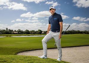 مايكل كورس تعيّن لاعب الجولف العالمي تشارل شفارتزل سفيراً عالمياً لعلامتها