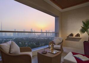 فندق رافلز دبي يكشف عن تجارب صيفية جديدة و عروض رائعة