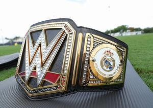 اتحاد المصارعة الحرة WWE يطلق نسخة خاصة من أحزمته بشعار ريال مدريد