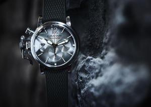 جراهام تتألق بإصدار ساعة كرونوفايتر جراند فينتاج الفاخرة