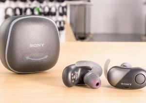 سوني تكشف عن أول سماعات رأس لاسلكية بالكامل في العالم