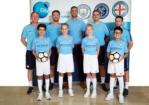 نادي مانشستر سيتي يفتتح مدارسه الخاصة بكرة القدم في دبي