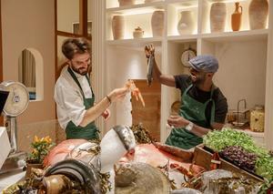مطعم غايا اليوناني يشرع أبوابه في مركز دبي المالي العالمي