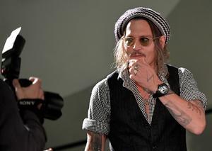جوني ديب يتألق بساعة كوروم ببل 47 سكال في مهرجان زيورخ السينمائي