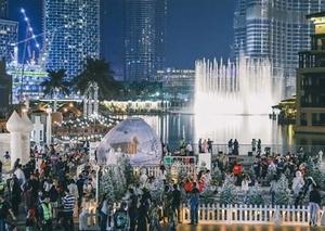 دبي تفتتح حديقة ثلجية مطلة على برج خليفة