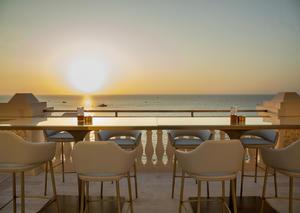 الشيف آلان دوكاس يفتتح أول مطعم له بالإمارات في دبي