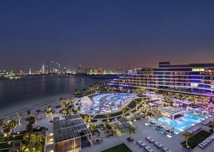 افتتاح فندق دبليو دبي النخلة الفاخر بلمسة ترف عصرية
