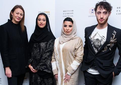 السعودية تحتضن أسبوع الموضة العربي بدون مصورين و للنساء فقط !