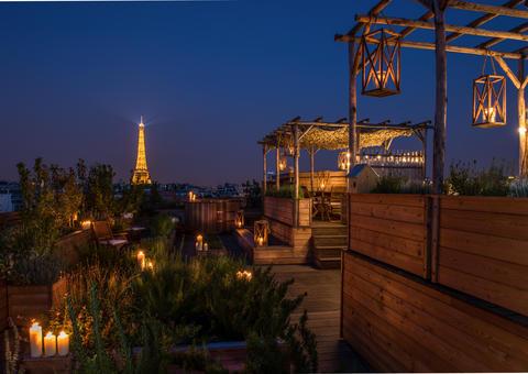 بالصور: شاهد فخامة فندق براخ الباريسي المطل على برج إيفل