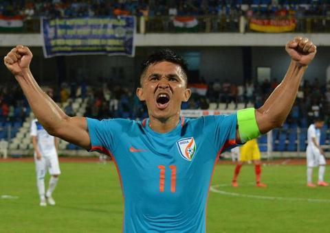 لاعب هندي يتفوق على ميسي بأهدافه الدولية و يقترب من رونالدو