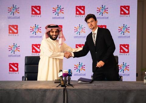 تركي آل الشيخ يوقع عدة اتفاقيات في لندن لإقامة فعاليات ترفيهية في السعودية
