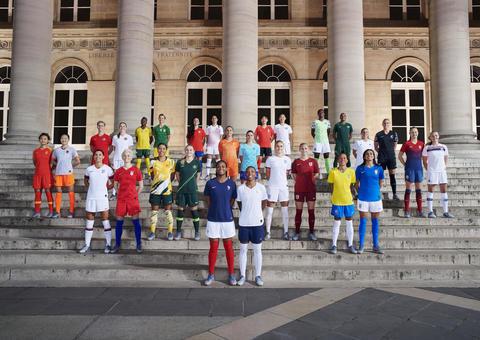 بالصور: نايكي تكشف النقاب عن أزياء 14 منتخب مشارك بكأس العالم للسيدات بكرة القدم 2019