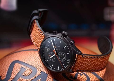 تيسو تتألق بإصدار ساعة خاصة بعشاق كرة السلة بشعار NBA