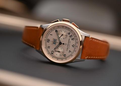 كارل إف بوشرر تتألق بإصدار ساعة هيريتاج بي كومباكس السنوي