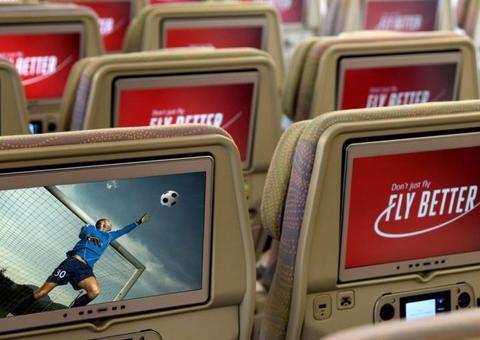 طيران الإمارات تنقل النهائيات الأوروبية لكرة القدم مباشرةً على رحلات المملكة المتحدة