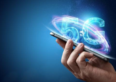 الكويت تصبح أول دولة خليجية تطلق خدمة الجيل الخامس للهواتف المحمولة
