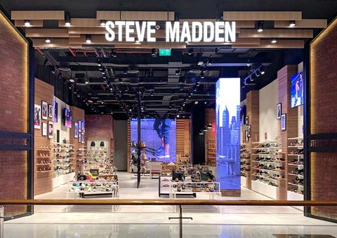 افتتاح أكبر متاجر ستيف مادن بالعالم في دبي مول