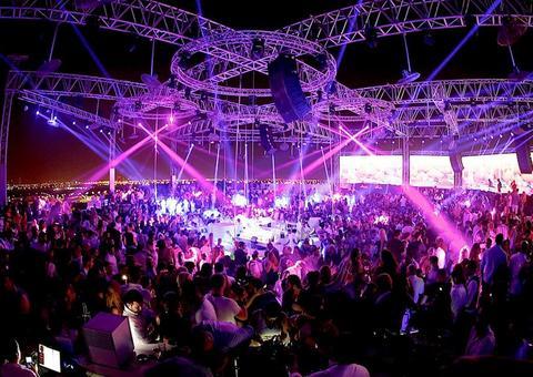 افتتاح ملهى «وايت» الليلي في جدة بدون مشروبات كحولية