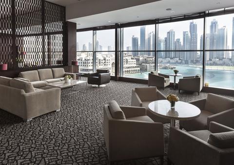 تعرف على ردهة الموضة الحصرية الفاخرة في فندق العنوان دبي مول
