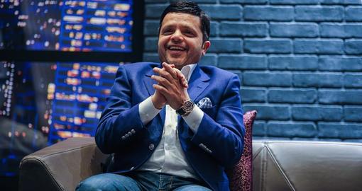 محمد هنيدي ينشر الابتسامة في 20 دولة عالمية عبر عرض هنيدي لايف