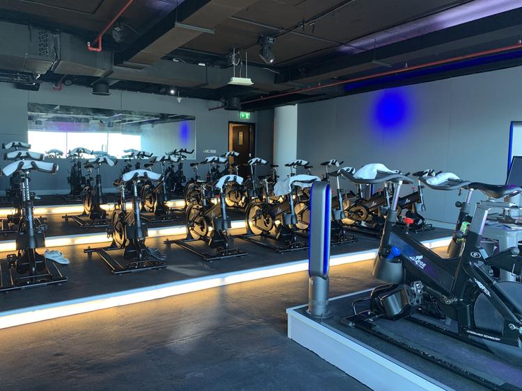 استوديو Surge Body Fitness في دبي