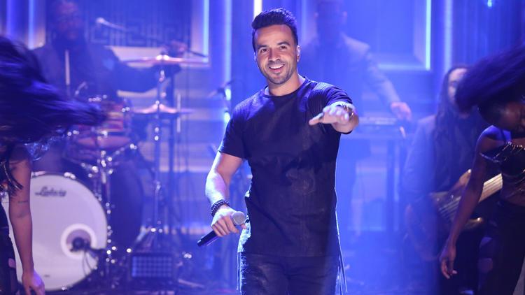 مغني ديسباسيتو لويس فونسي