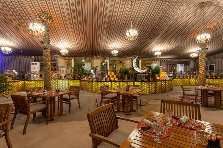 مطعم إيوان ذا بالاس داون تاون دبي