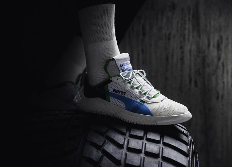حذاء ريبليكيت-إكس