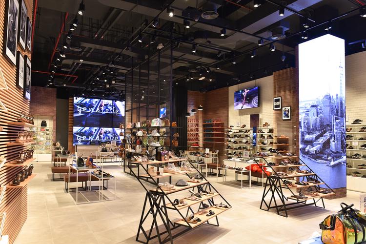 ستيف مادن, دبي مول, متجر, ألبسة, أزياء, أحذية فاخرة